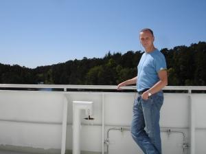 Jeg på båten ut fra Halhjem