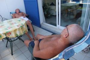 Far og jeg etter et slag backgammon