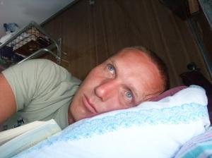 Jeg ligger i køyen og ser ut og slapper av, på vei mot Ulan Ude og videre langs den transsibirske jernbanen