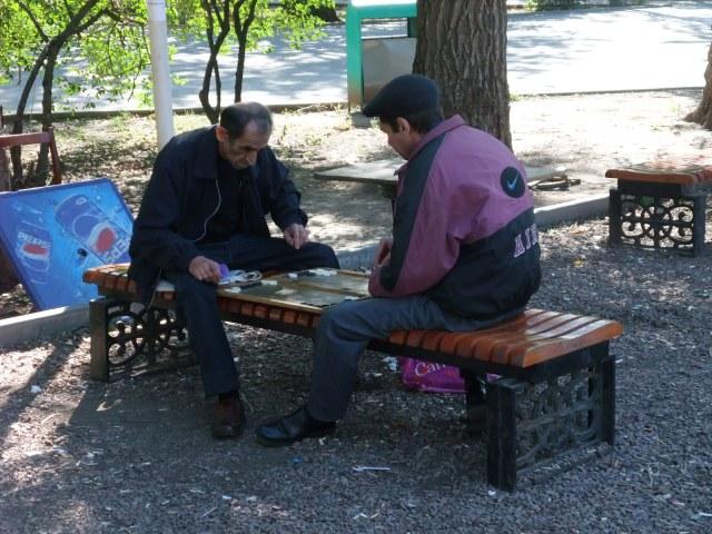 Noen spilte også backgammon
