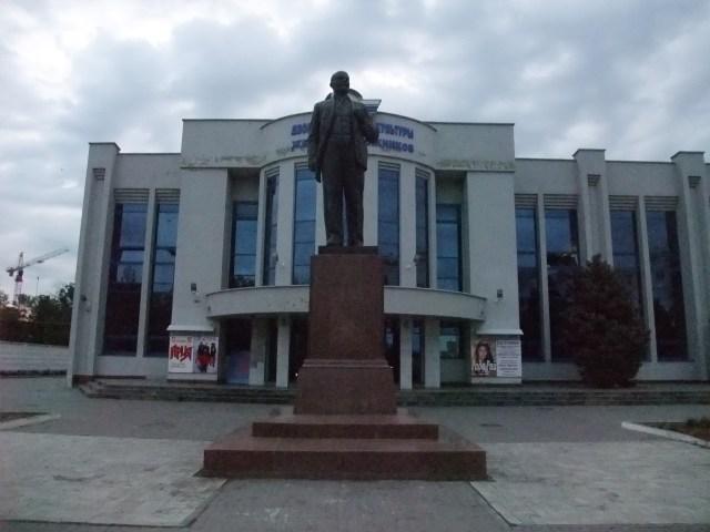 Og Lenin holder som alltid vakt. Også over Krasnodar.