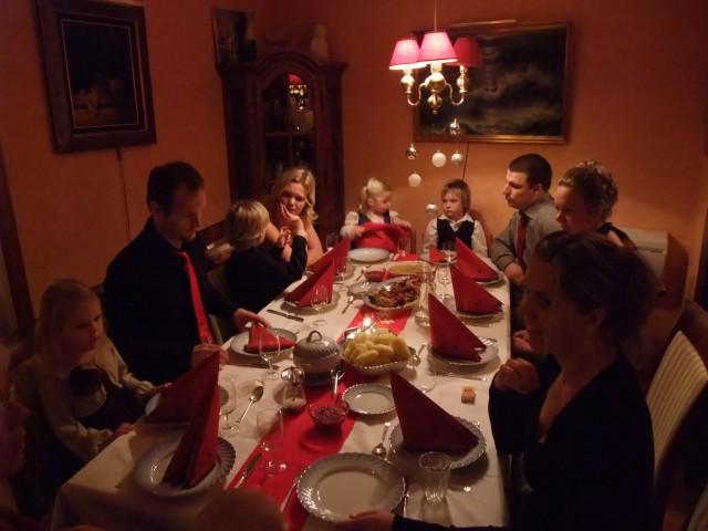 Sofie, Lars, Daniel, Tone, Sara, Andreas, Torben, Tonje og Trude er på bildet.