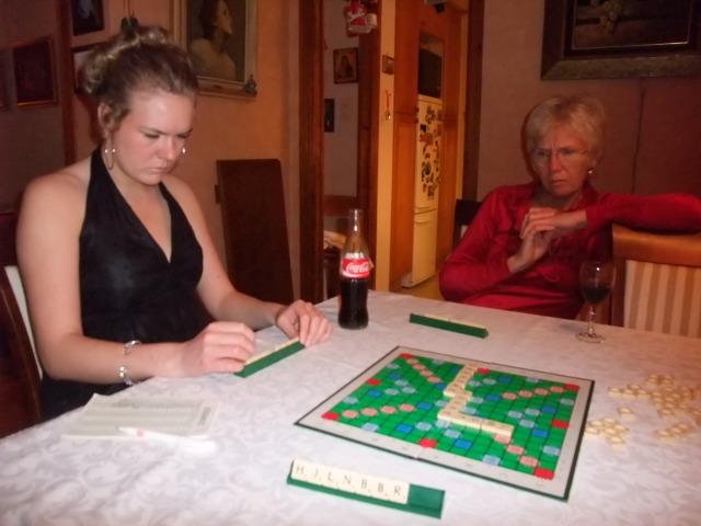 Og kvelden ble avsluttet med Scrabble.