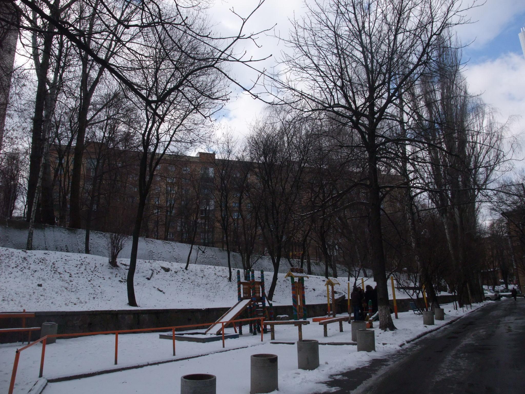 Dette er bygningen jeg bodde i, sett nedenfra nær Klovska metrostasjon, Kiev