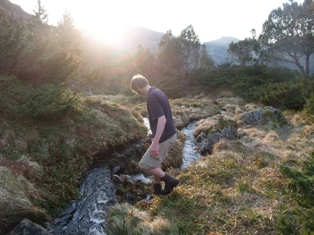 Slik ser det ut på toppen. Som man ser har vi gjort alt for å få vannet til å renne vårt løp.