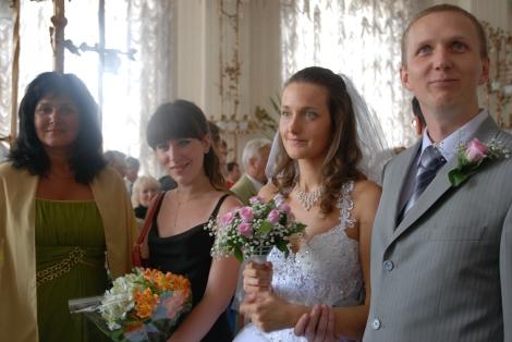Olias mor og kusine, Olia og meg. Ingen tvil om at jeg er gladest.