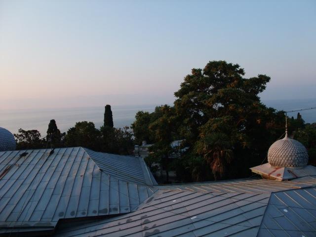 Utsikten fra vinduet i Alupka, det andre rommet vi bodde i.
