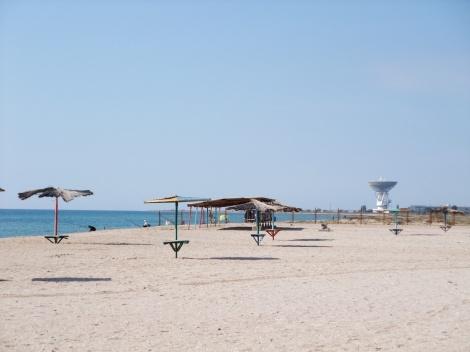 Fiskere, romstasjon og en helt ledig strand...