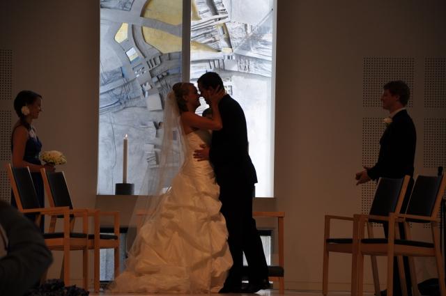 Kysse bruden, Bryllupskyss, Brudepar, Kirkebryllup, Bryllup