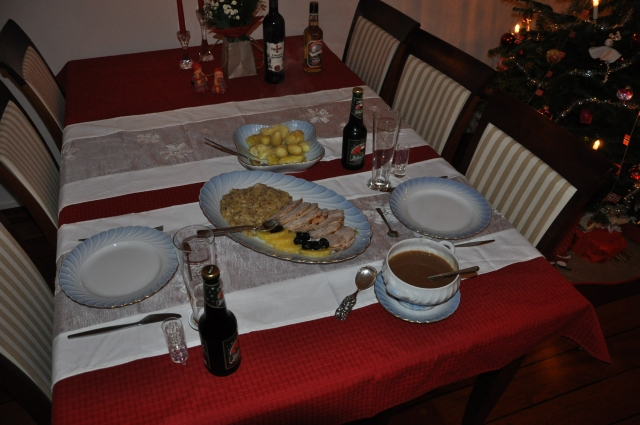 Julemat, Svinesteik, Middag