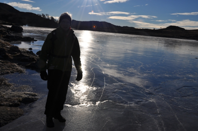 Revholdstjørn, Motlys, Is på tjern