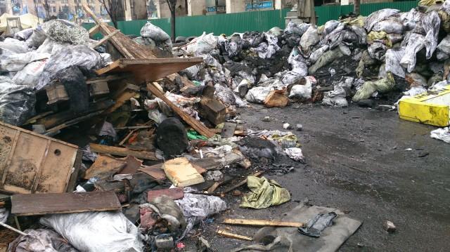 Et eksempel på søppelet på Majdan.